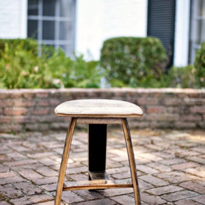 Bourbon Barrel Pub Set Table & Stools